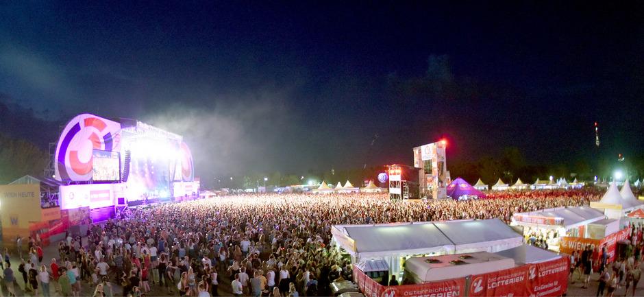 Rund eine Million Besucher feierten am Freitag auf der Donauinsel in Wien.