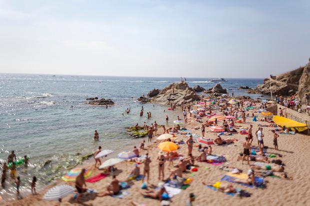 Die überfüllten Strände von Lloret de Mar lässt man im Hinterland hinter sich.
