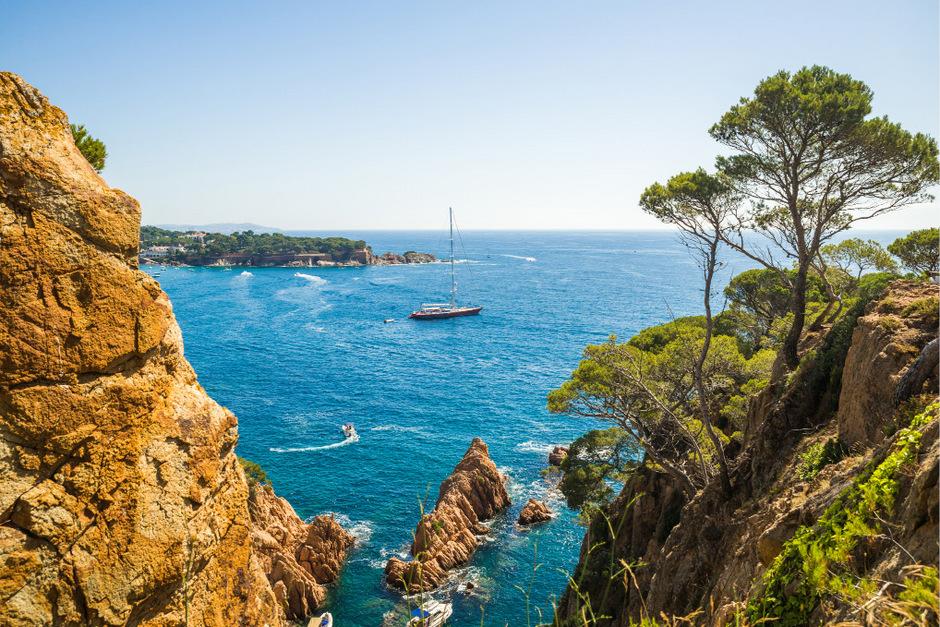 Der Wanderweg Cami de Ronda bietet immer wieder tolle Aussichten aufs Mittelmeer.