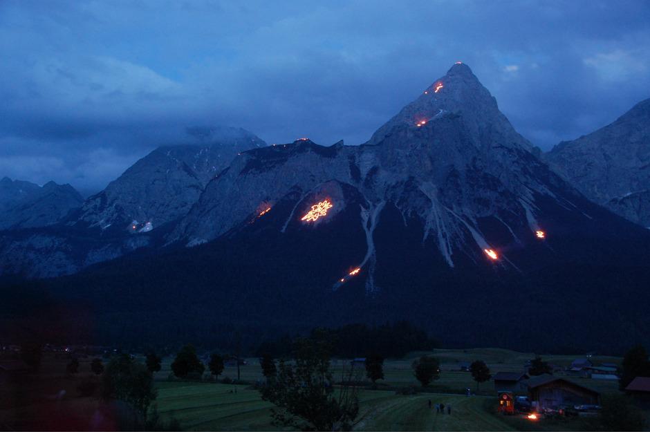 Die Bergfeuer in Ehrwald werden erst nächste Woche entzündet.