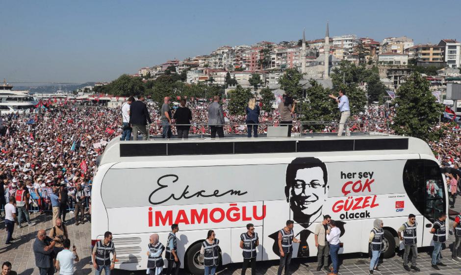 Ekrem Imamoglu hatte bei der Kommunalwahl am 31. März knapp gewonnen.