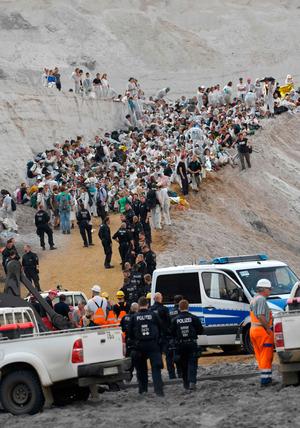 Die Polizei stieß in den Tagebaugebieten am Samstag und der Nacht zum Sonntag auf heftige Gegenwehr.