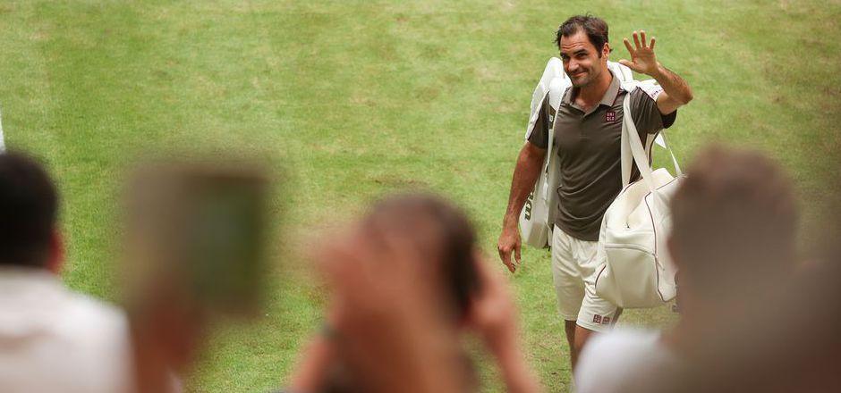 Roger Federer verließ erneut als Sieger den Court in Halle.