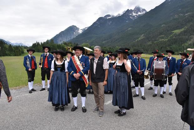 Die Kapelle Häselgehr spielte der Veranstaltung und Fritz Gursiser auf.