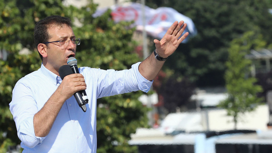 Ekrem Imamoglu hat die Bürgermeisterwahl erneut für sich entschieden - diesmal deutlich.
