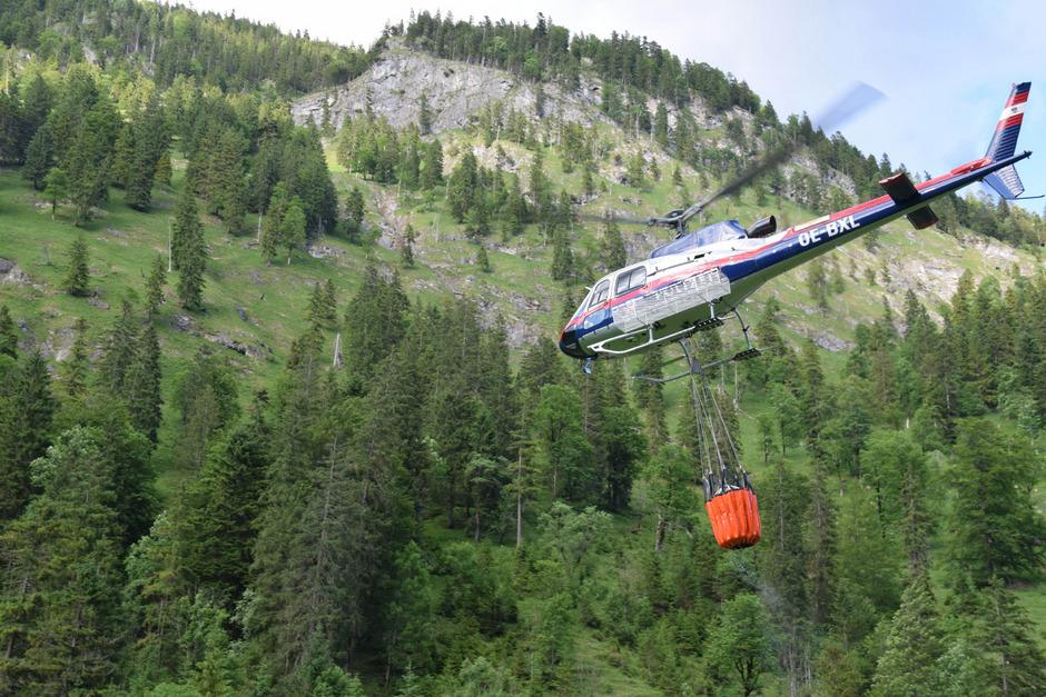 Auch ein Hubschrauber wurde angefordert.