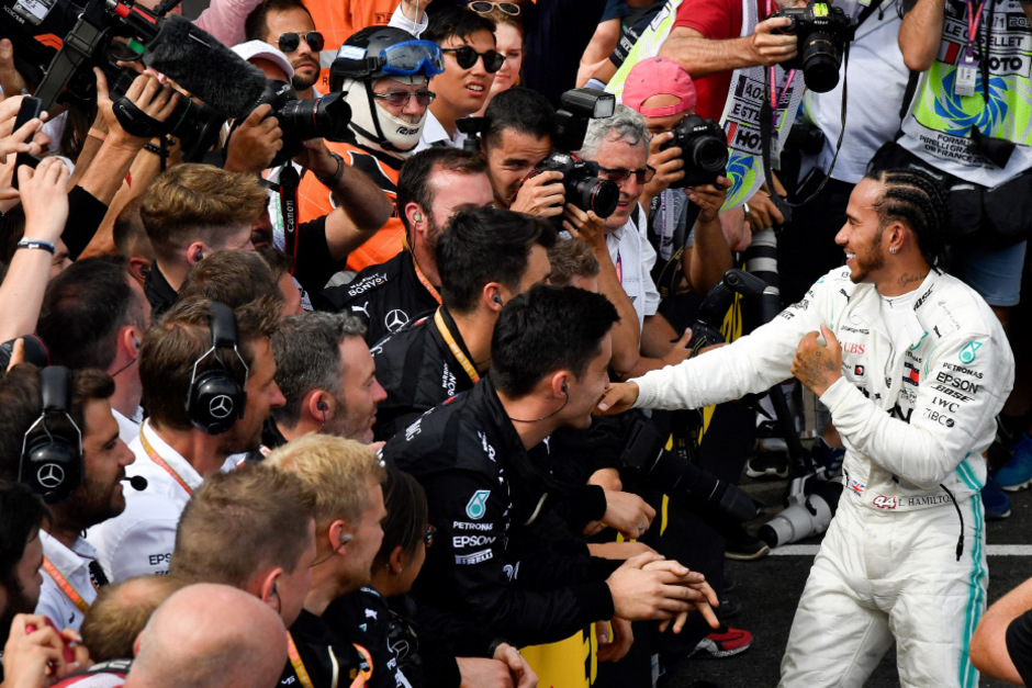 Lewis Hamilton ließ sich auch in Frankreich feiern. Zum bereits sechsten Mal in diesem Jahr stand der Brite auf dem obesten Stockerl.