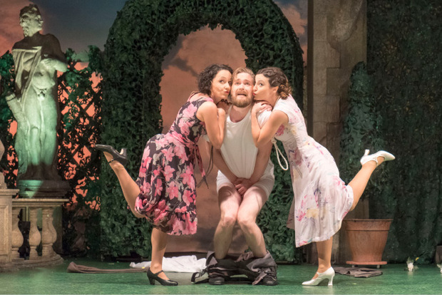 """Unnstein Árnason gab den Egon im als beste Operette ausgezeichneten """"Vetter aus Dingsda"""" – und wurde als Nachwuchskünstler gewürdigt."""