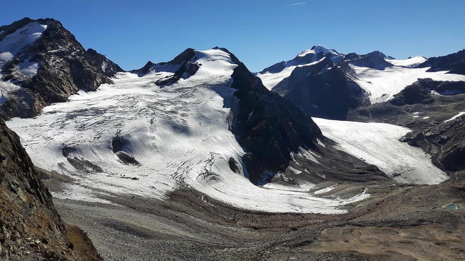 Auch ein 600 Meter langer Skitunnel und die Schleifung eines Berggrats am Linken Fernerkogel um 40 Höhenmeter sind vorgesehen.