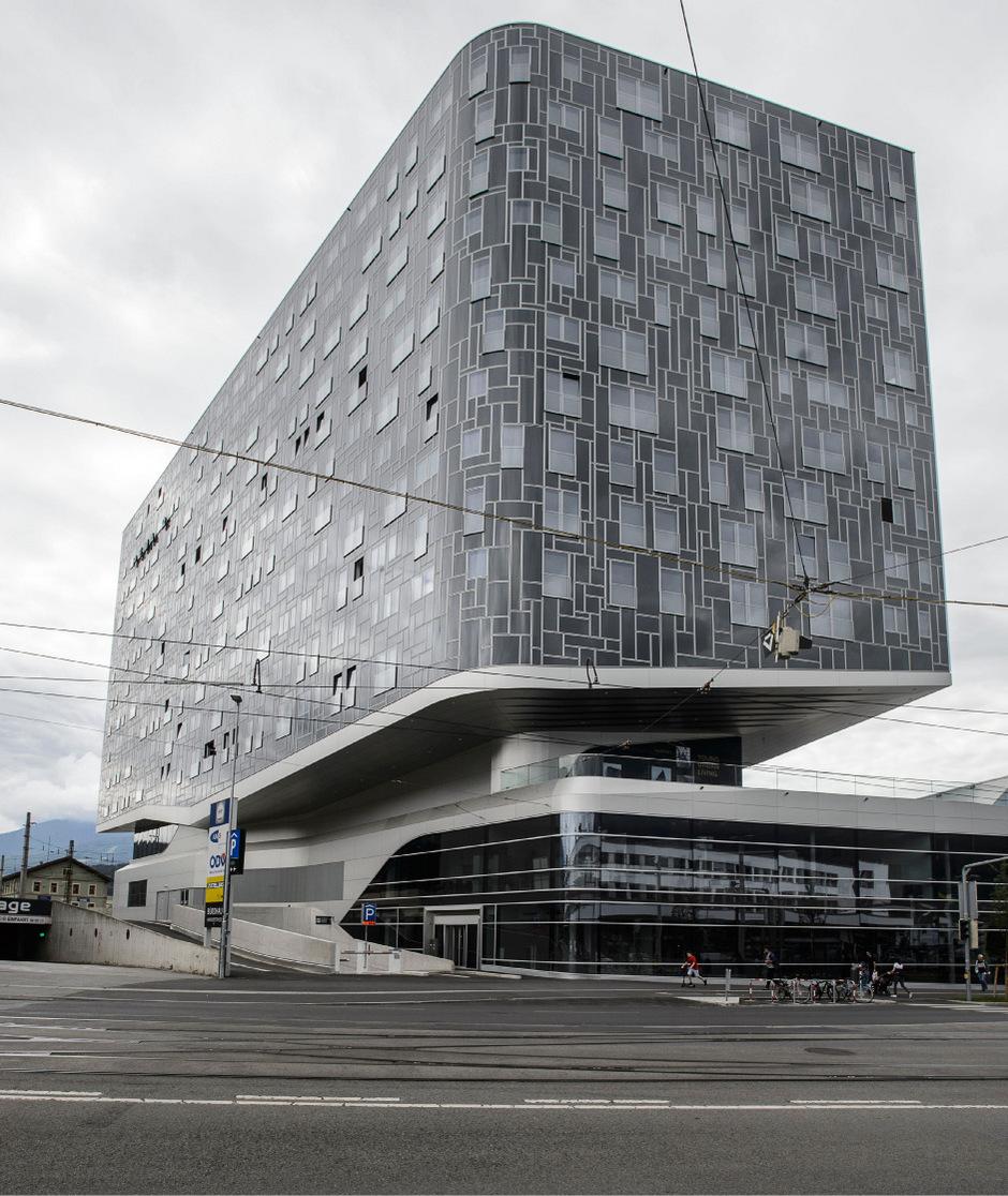 647 Euro Bruttomiete pro Zimmer, nicht pro Wohnung.