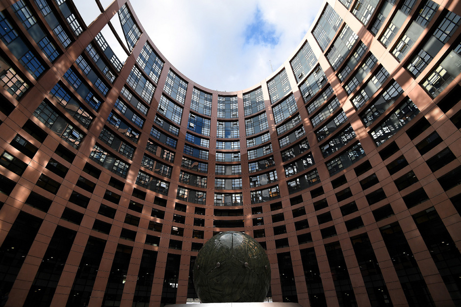 Das EU-Parlament in Straßburg: Neulinge können sich hier und im zweiten Amtssitz Brüssel leicht verirren. Eugen Freund rät ihnen, auf erfahrene Mitarbeiter zu vertrauen.