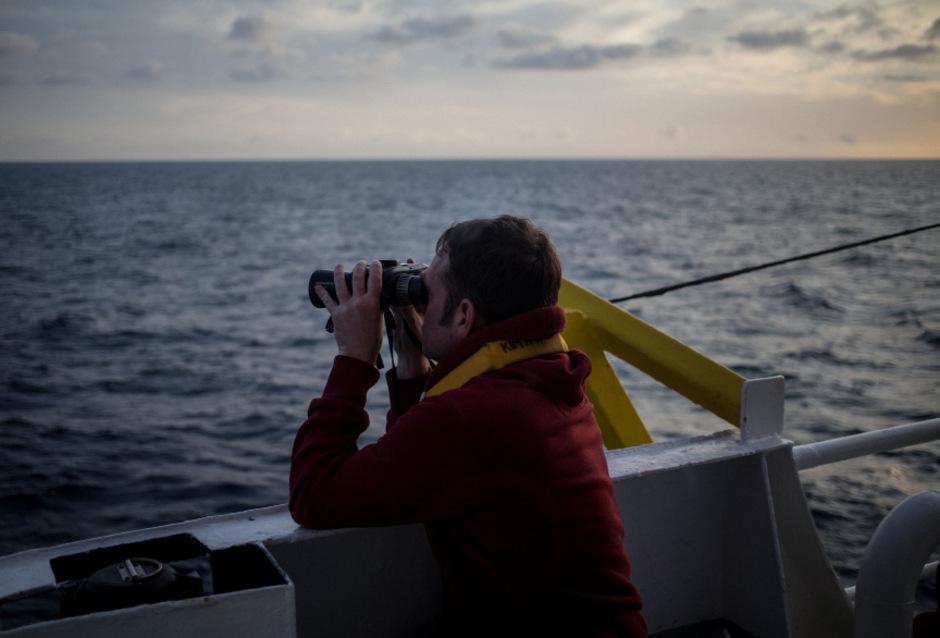 Ein Besatzungsmitglied der Sea-Watch 3 (Archivbild).
