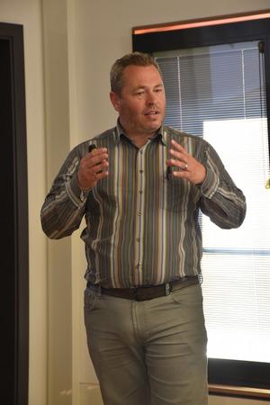 Manuel Geiger präsentierte die Pläne zu einer neuen Hotelanlage am Lech in Reutte.