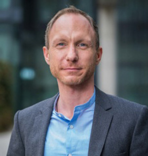 Grünen-LA Georg Kaltschmid kündigt Lehr-Antrag an.