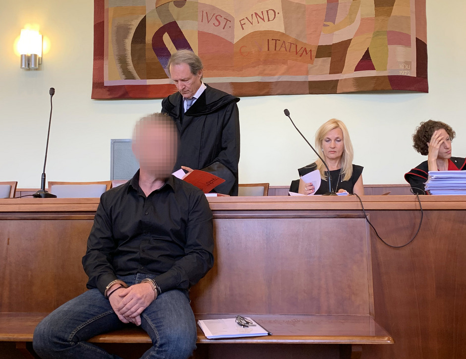 Der 43-Jähriger in Wiener Neustadt vor dem Schwurgericht.