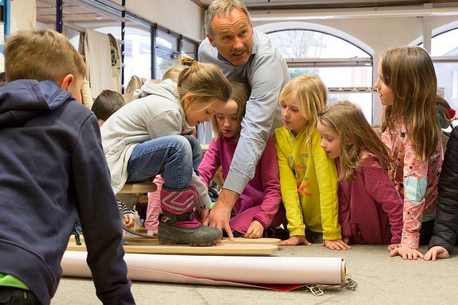 Die Kinder der Volksschule Itter bauten gemeinsam mit Handwerkern ihren eigenen Salvie-Prototyp.