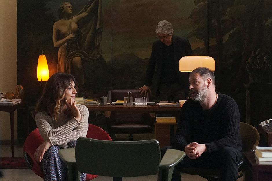 Viviana (Ambra Angiolini) und Modesto (Pietro Sermonti) sind verheiratet, aber nicht miteinander. Beim Paartherapeuten wollen sie ihre Affäre reparieren.