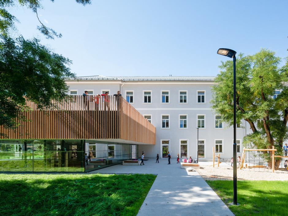 Die Volksschule Angedair in Landeck war im vergangenen Jahr neu eröffnet worden. Sie hat nun einen Architekturpreis erhalten