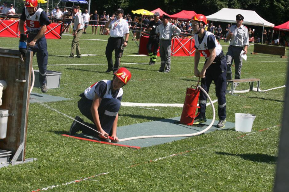 Trotz der großen Hitze waren die jungen Leute mit vollem körperlichen Einsatz im Sportzentrum Telfs bei der Sache.