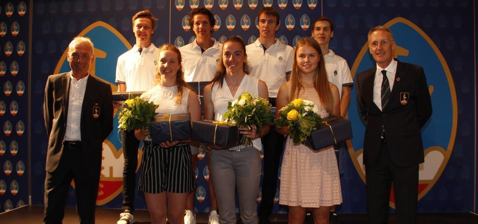 Bei der Vollversammlung des KSC wurden auch die erfolgreichen Nachwuchssportler des Clubs geehrt.
