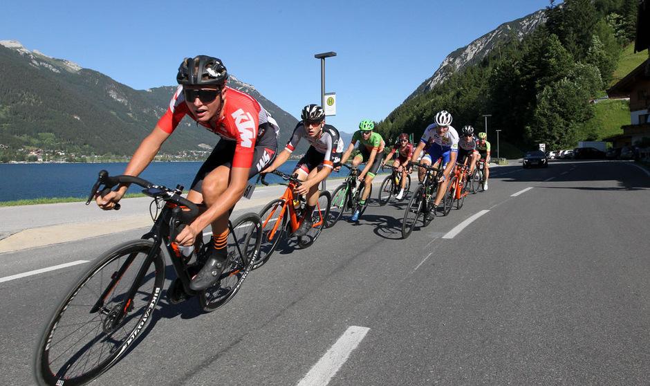 Die Tiroler Radsporthoffnung Markus Wildauer raste entlang des Achensees zum Titel im Bergrennen.