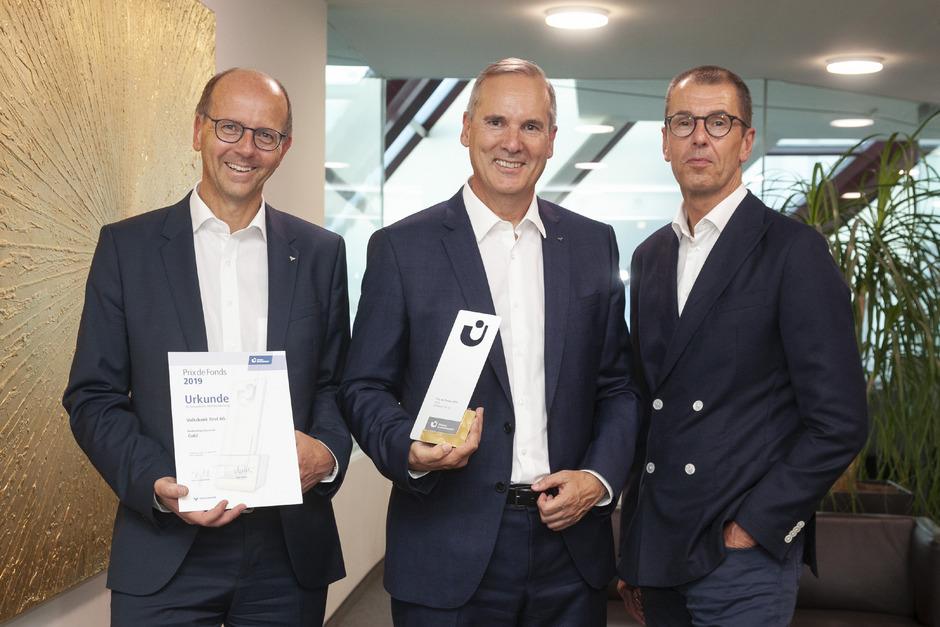 Union-Investment-Chef Hans Joachim Reinke (r.) und die Volksbank-Vorstände Markus Hörmann (Mitte) und Martin Holzer sehen die Phase niedriger Zinsen noch lange nicht vorüber.