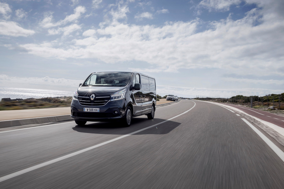 Ab 23.130 Euro netto bietet Renault den überarbeiteten Trafic an.