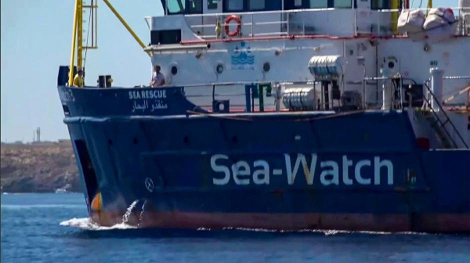 Das Schiff hatte am 12. Juni insgesamt 53 Menschen vor der Küste Libyens von einem Schlauchboot gerettet. 13 von ihnen, darunter Frauen, Kranke und Kinder, waren in den vergangenen Tagen an Land gebracht worden.