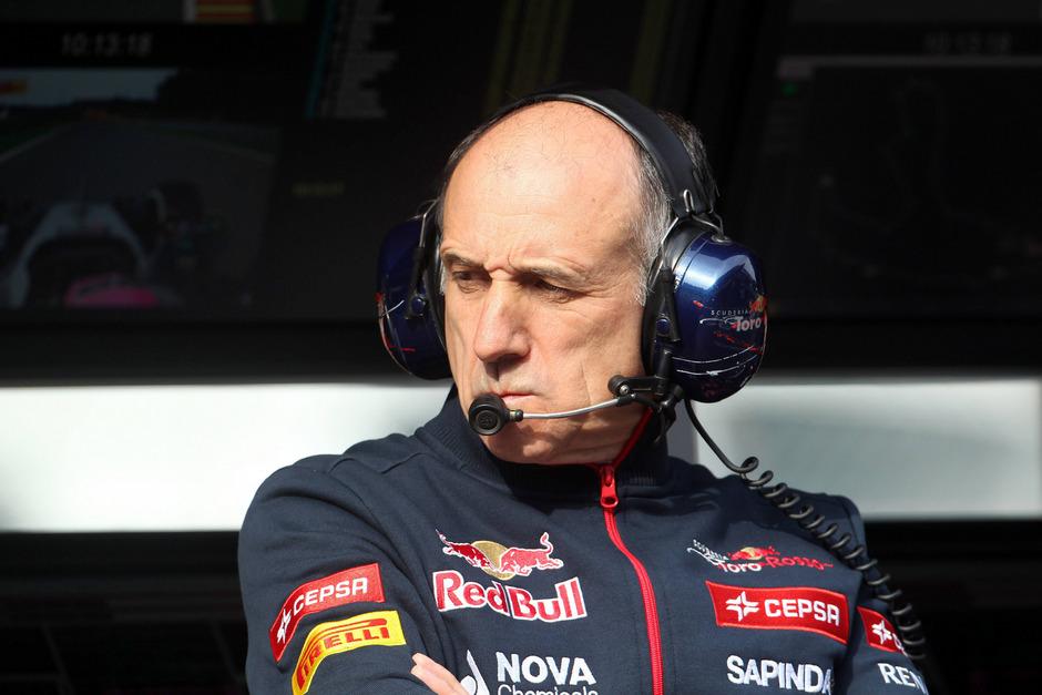 """""""Streckenlayout? Das ist ein völliger Blödsinn. Die fahren auf jeder Strecke auf und davon. Da lenkt man nur vom eigentlichen Problem ab"""", sagt Franz Tost zur Mercedes-Dominanz."""