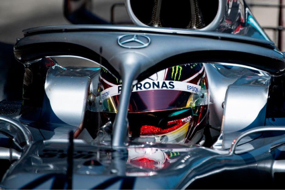 Lewis Hamilton wurde um drei Plätze zurückgereiht, um dann wieder einen nach vorne zu rutschen.