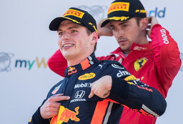 Verstappen jubelte ausgelassen über den ersten Honda-Sieg in der Red-Bull-Ära, Leclerc war sichtlich bedient.