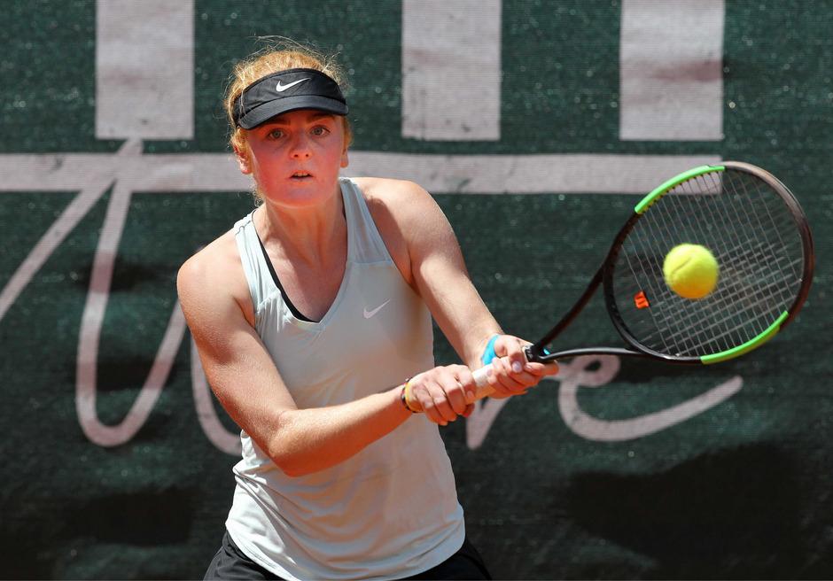 Nina Rebecca Hotter (Schwaz) verlor ihr Einzel denkbar knapp, um das anschließende Doppel mit Simona Maslau zu gewinnen.