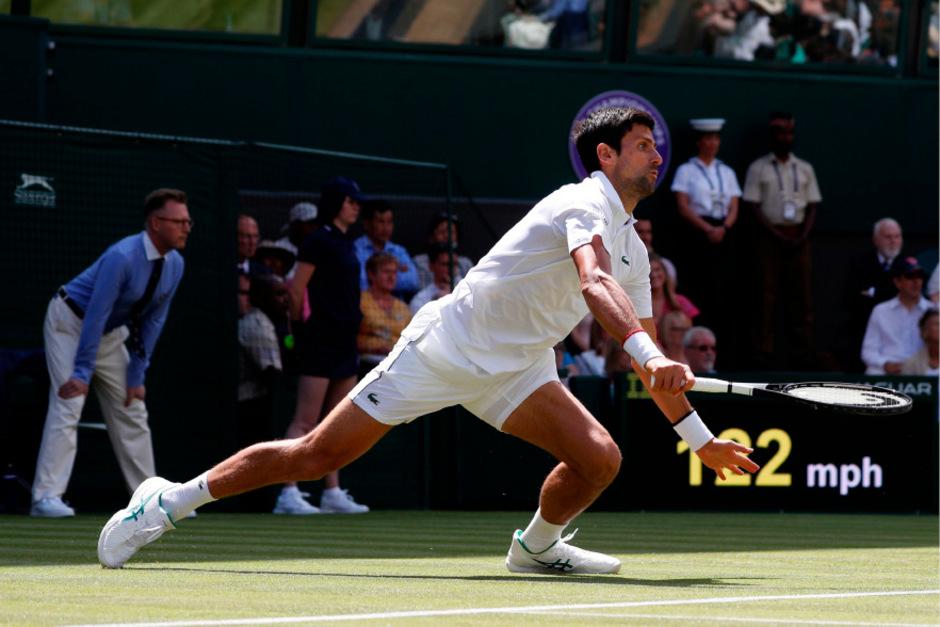 Voller Einsatz von Novak Djokovic.