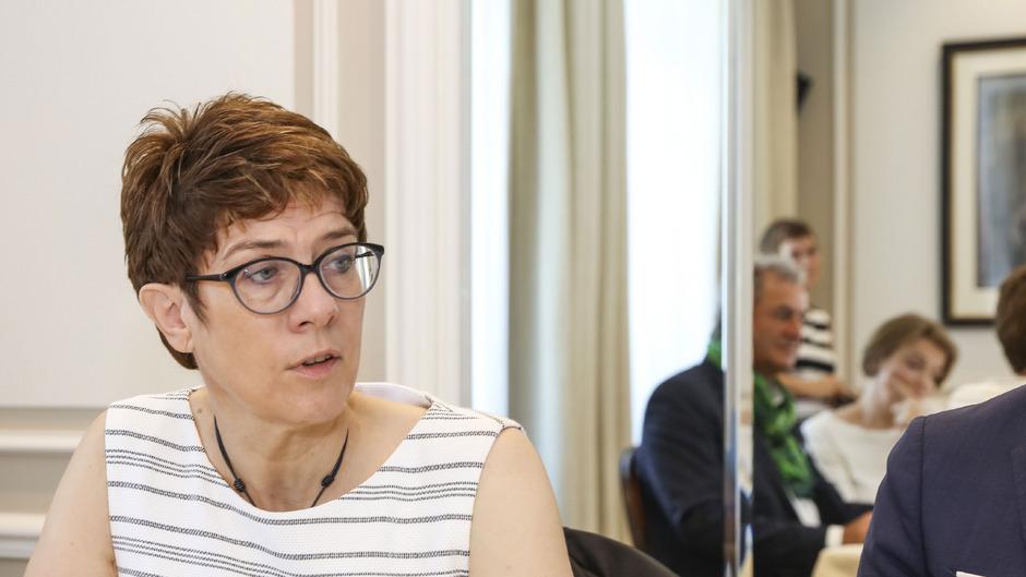 """Annegret Kramp-Karrenbauer: """"Was man grundsätzlich von Österreich abschauen kann, sind die Reformen."""""""