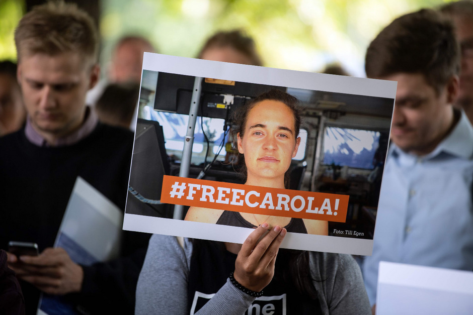 In Deutschland und Österreich war am Dienstag für die Freilassung von Carola Rackete protestiert worden.