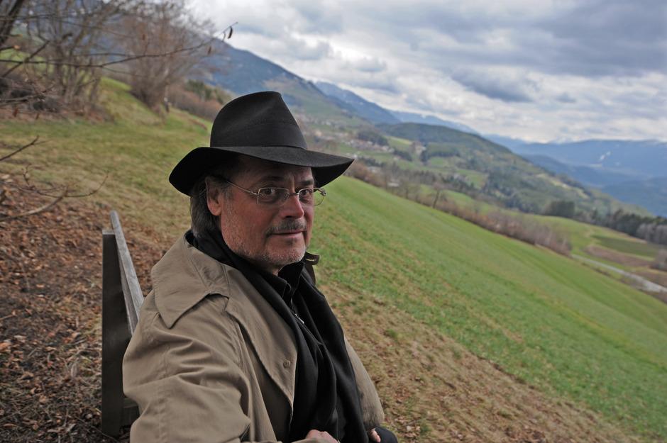 Der Südtiroler Joseph Zoderer, Jahrgang 1935, zählt zu den bedeutendsten deutschsprachigen Autoren seiner Generation.