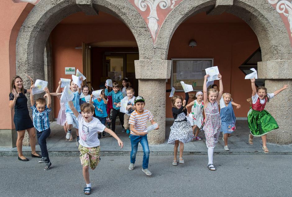 Auch heuer freuen sich wieder tausende Kinder auf den letzten Schultag.