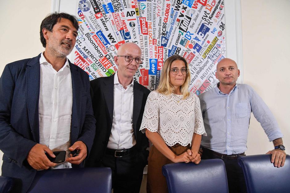 NGO-Vertreter bei einer gemeinsamen Pressekonferenz am Mittwoch in Rom.