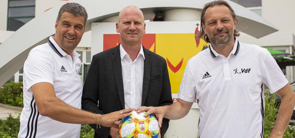 Gernot Zirngast (VDF), Christian Ebenbauer (Bundesliga) und Oliver Prudlo (VDF).