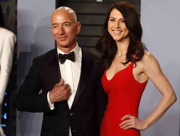 Anfang des Jahres hatten Bezos und seine Frau MacKenzie ihre Scheidung nach 25-jähriger Ehe angekündigt. Sie wird durch die Scheidung zur viertreichsten Frau der Welt.