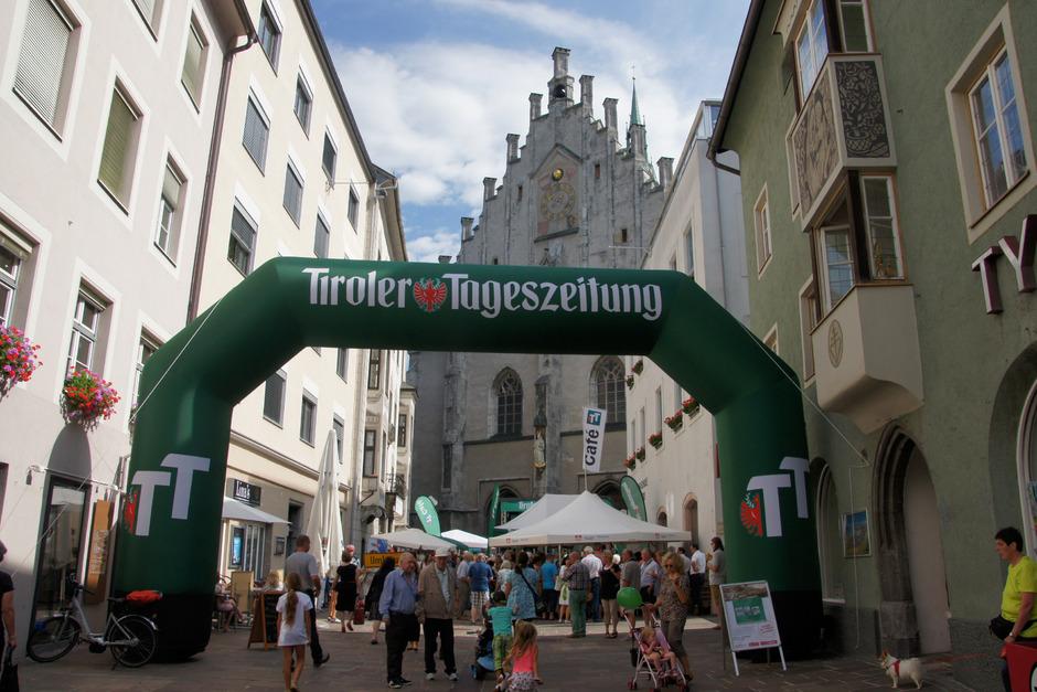 Von 9 bis 12 Uhr wird am Samstag wieder zum beliebten TT-Café mit einem genüsslichen Frühstück vor der Schwazer Stadtpfarrkirche in der Altstadt geladen.