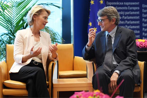 Ursula von der Leyen mit dem neuen EU-Parlamentspräsidenten David-Maria Sassoli.