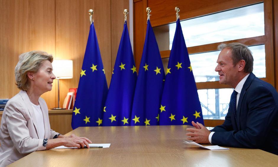 Ursula von der Leyen traf in Brüssel EU-Ratschef Donald Tusk.