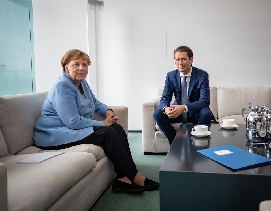 Kanzlerin Angela Merkel traf Sebsatian Kurz im Kanzleramt.