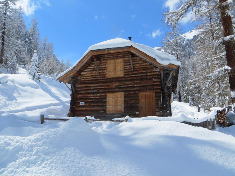 """Die Skihütte im Urgtal hat den """"100er"""" auf dem Buckel."""