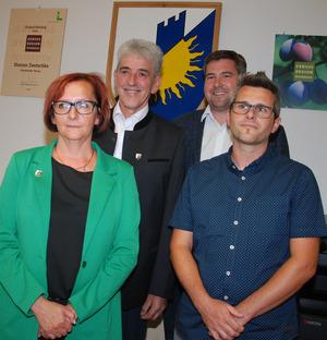 Der neue Gemeindevorstand: BM Ferdinand Beer (2.v.l.) mit GV Eva Maria Walch, VBM Thomas Kössler und GV Michael Gruber (v.l.).