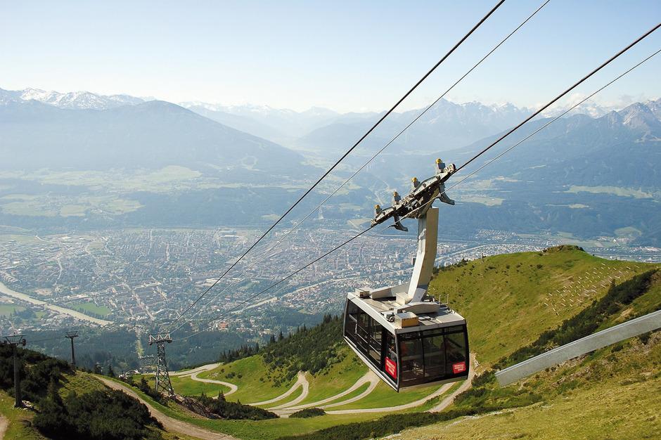Die Innsbrucker Nordkettenbahnen befördern im Sommer doppelt bis dreimal so viele Gäste wie im Winter.