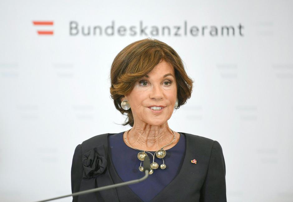 """Kanzlerin Brigitte Bierlein schaffte die Generalsekretäre ab.<span class=""""TT11_Fotohinweis"""">Foto: APA</span>"""