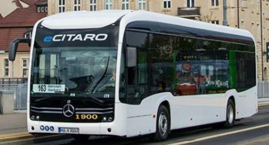 Mit einem E-Bus wie diesem fahren die IVB ab heute testweise die Linien J, M, B und A in Innsbruck ab.