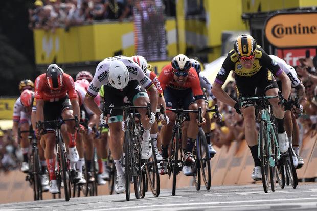 Wenige Zentimeter schaffte es Teunissen dann doch vor Ex-Weltmeister Peter Sagan.